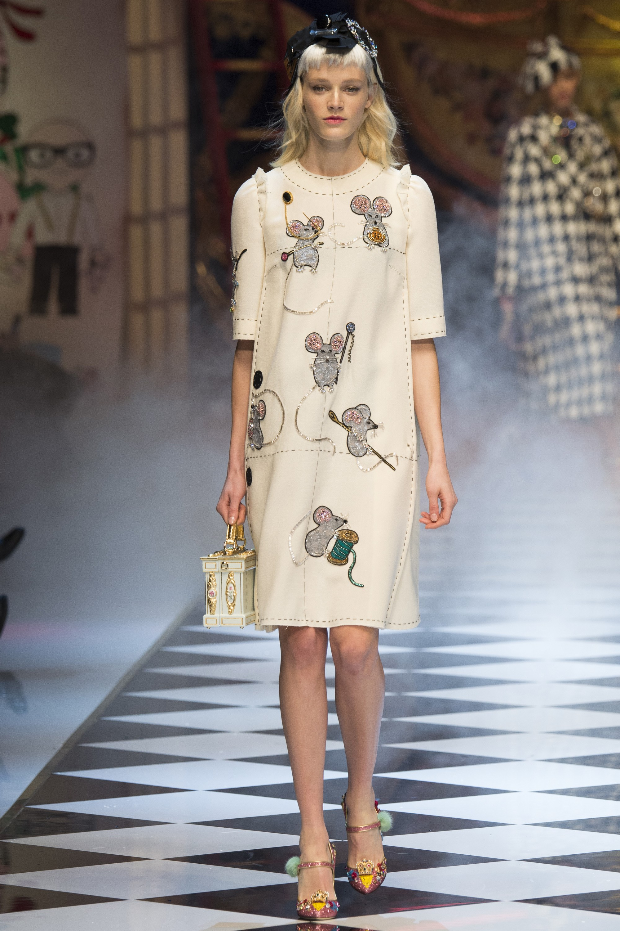 And the Skies Parted and the Angels Sang  DOLCE   GABBANA FALL ... 92b61f4e8ef
